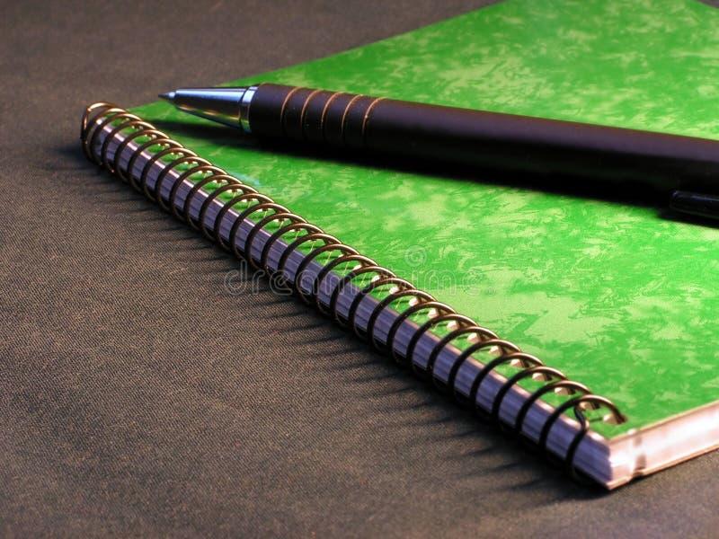 πράσινο σημειωματάριο στοκ εικόνες με δικαίωμα ελεύθερης χρήσης