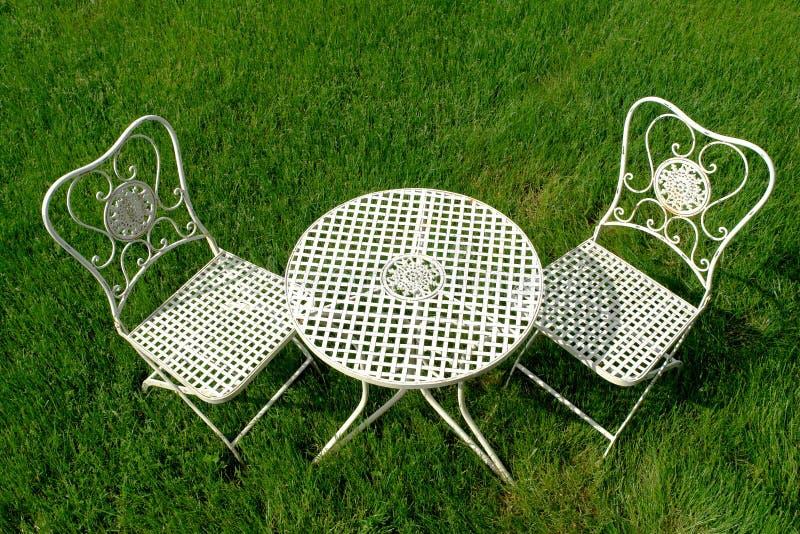 πράσινο σύνολο patio χλόης επίπ&l στοκ φωτογραφίες