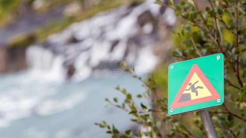 Πράσινο τετραγωνικό σημάδι - προειδοποίηση για τον κίνδυνο στοκ φωτογραφίες με δικαίωμα ελεύθερης χρήσης