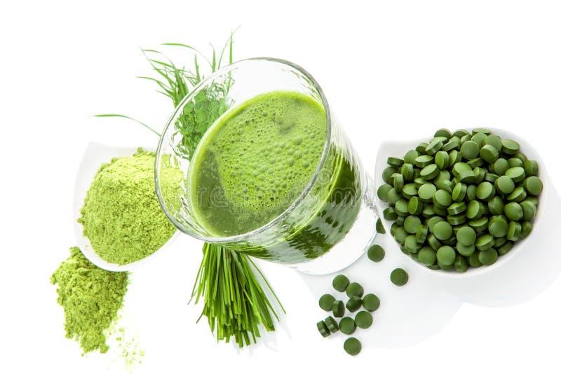 Πράσινο υγιές superfood. Συμπληρώματα Detox. στοκ φωτογραφία με δικαίωμα ελεύθερης χρήσης