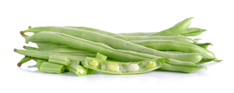 Πράσινο φασόλι σειράς στο άσπρο υπόβαθρο στοκ εικόνες