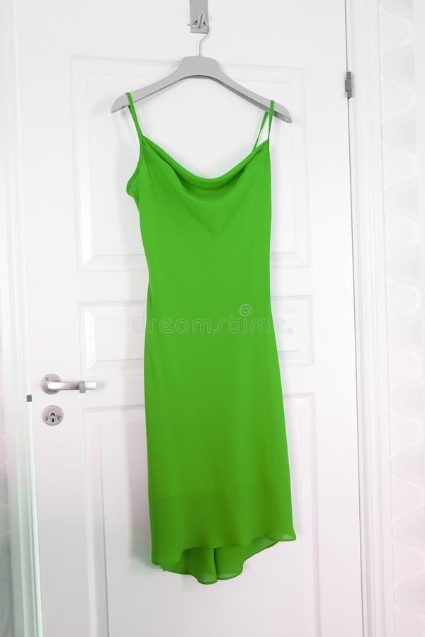 Πράσινο φόρεμα στοκ εικόνες