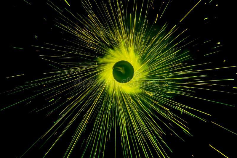 Πράσινο ύφος χρώματος γραμμών ελαφρύ Χριστούγεννα και νέο ύφος κύκλων καψίματος κομμάτων έτους sparkler στοκ φωτογραφία με δικαίωμα ελεύθερης χρήσης