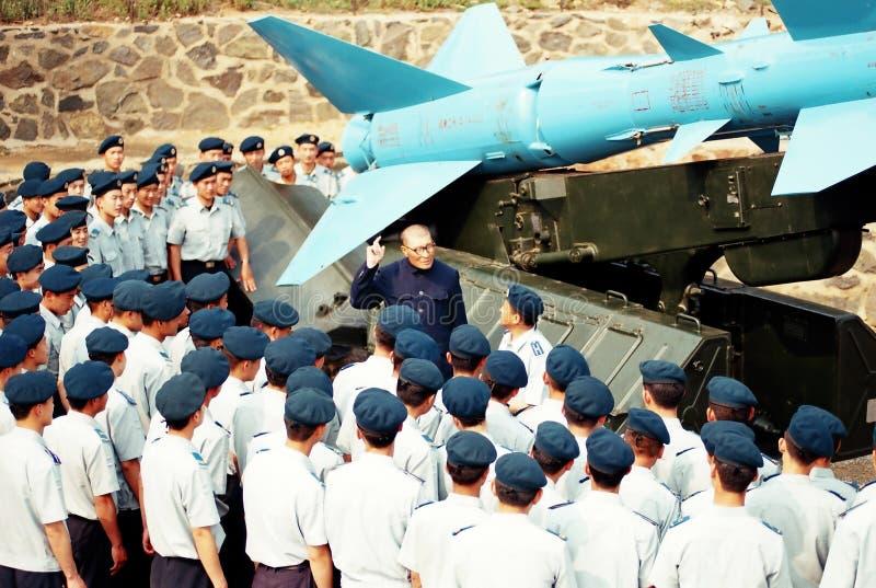 Πριν από τον προωθητή βλημάτων, ένας παλαιός ήρωας Πολεμικής Αεροπορίας στον παραδοσιακό ειπωμένο μαχητή Πολεμικής Αεροπορίας στοκ εικόνες