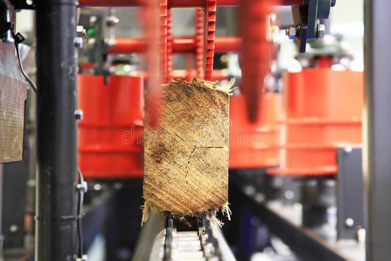 Πριονιστήριο για τα τέμνοντα κούτσουρα στοκ φωτογραφία με δικαίωμα ελεύθερης χρήσης