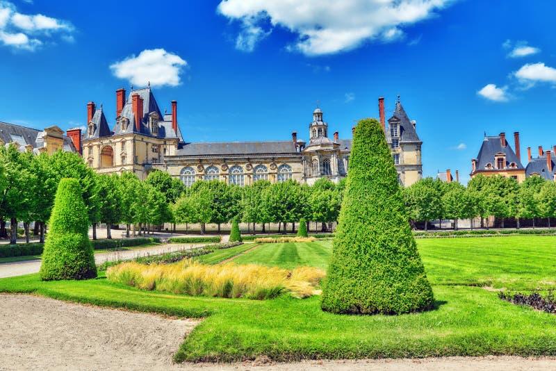 Προαστιακή κατοικία των βασιλιάδων της Γαλλίας - όμορφος πύργος Fonta στοκ φωτογραφίες