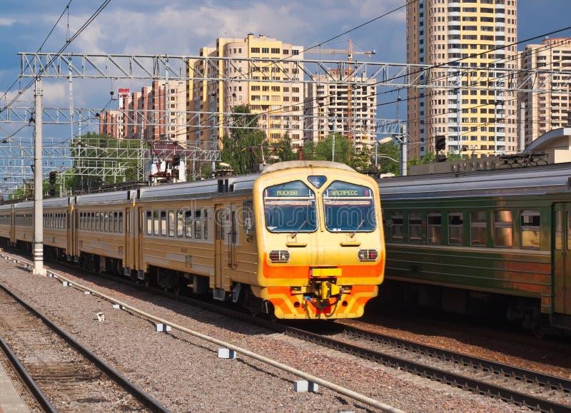 προαστιακό τραίνο στοκ εικόνες με δικαίωμα ελεύθερης χρήσης