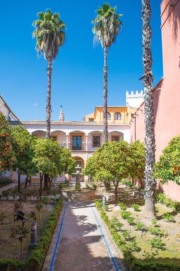 Προαύλιο στο Alcazar, Σεβίλη, Ανδαλουσία, Ισπανία στοκ φωτογραφίες