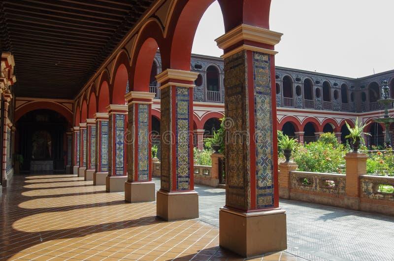 Προαύλιο στο Convento Santo Domingo στη Λίμα, Περού στοκ εικόνες