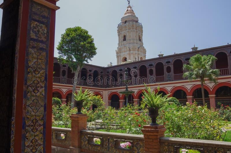 Προαύλιο στο Convento Santo Domingo στη Λίμα, Περού στοκ φωτογραφίες