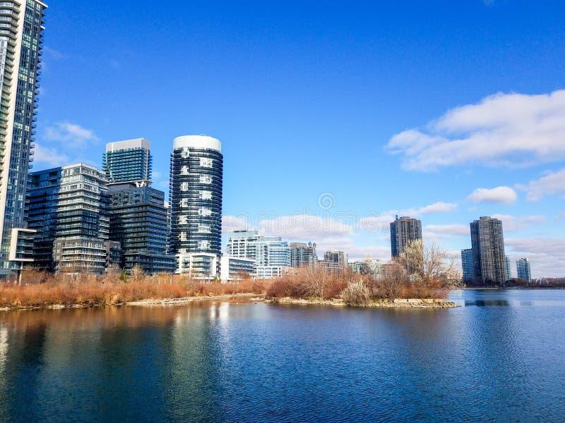 Προβολή τοπίου κτιρίων κατοικιών στον Καναδά στοκ εικόνα
