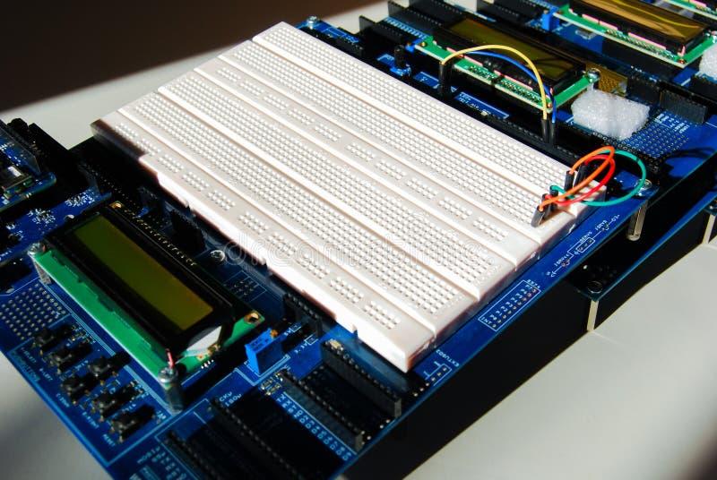 Προγραμματίζοντας πίνακας Arduino στοκ φωτογραφία με δικαίωμα ελεύθερης χρήσης