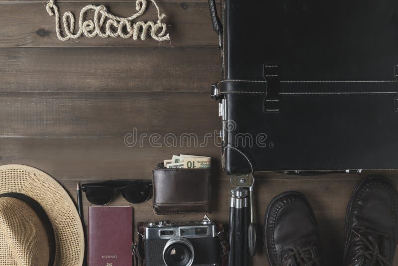 Προετοιμάστε τα εξαρτήματα για το ταξίδι στον εκλεκτής ποιότητας τόνο στοκ φωτογραφία με δικαίωμα ελεύθερης χρήσης