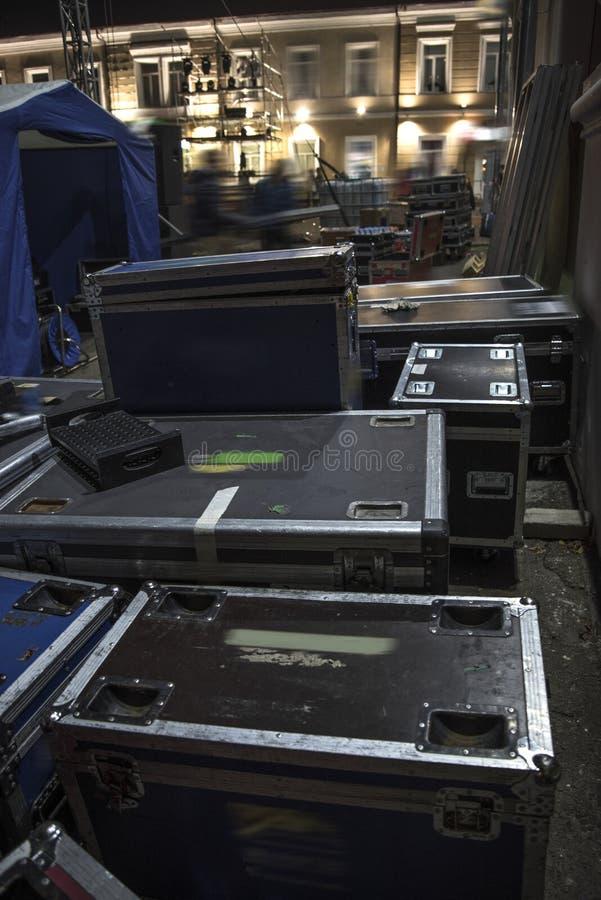 Προετοιμασία της σκηνής για μια συναυλία στοκ φωτογραφία με δικαίωμα ελεύθερης χρήσης