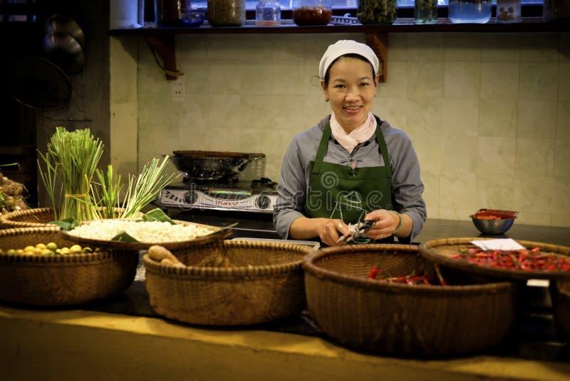 Προετοιμασία των λαχανικών για το μαγείρεμα, Βιετνάμ στοκ εικόνες με δικαίωμα ελεύθερης χρήσης
