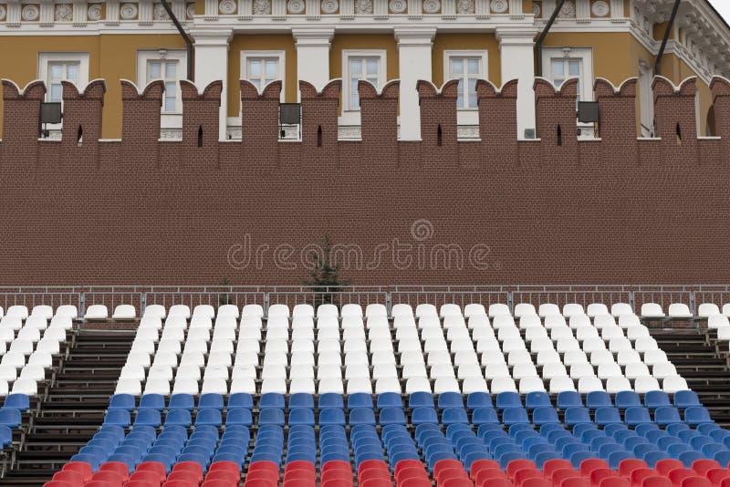 Προετοιμασίες για τον εορτασμό Κενά βήματα στα χρώματα tricolor στοκ φωτογραφία με δικαίωμα ελεύθερης χρήσης