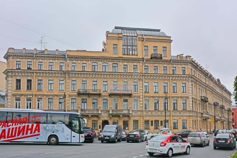 Προηγούμενο κερδοφόρο σπίτι των εμπόρων Yeliseyev στο νησί Vasilyevsky σε Άγιο Πετρούπολη, Ρωσία στοκ εικόνες
