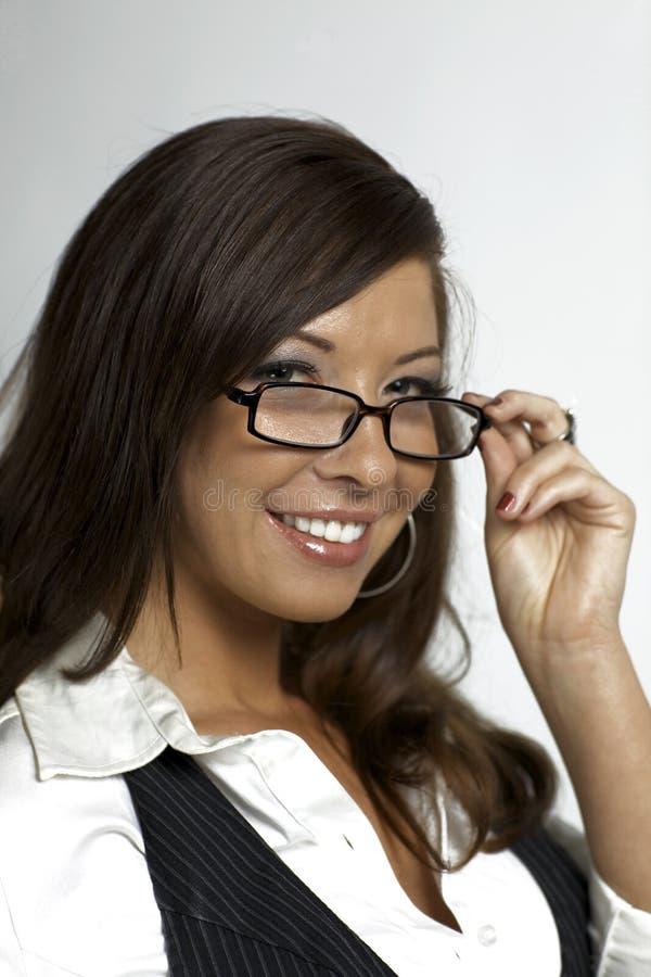 Download Προκλητικά γυαλιά εκμετάλλευσης γραμματέων γυναικών Στοκ Εικόνα - εικόνα από χαμόγελο, χαιρετισμός: 22780075
