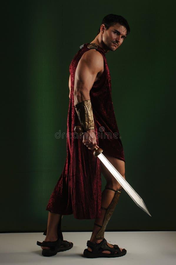 Προκλητικός gladiator χτυπά έναν μοναδικό θέτει στοκ φωτογραφίες με δικαίωμα ελεύθερης χρήσης