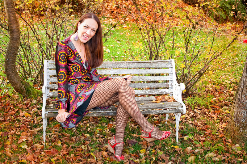 Προκλητική γυναίκα φθινοπώρου στοκ φωτογραφίες