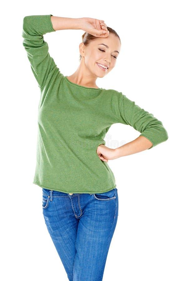 Προκλητική μοντέρνη νέα γυναίκα σε πράσινο στοκ εικόνα με δικαίωμα ελεύθερης χρήσης