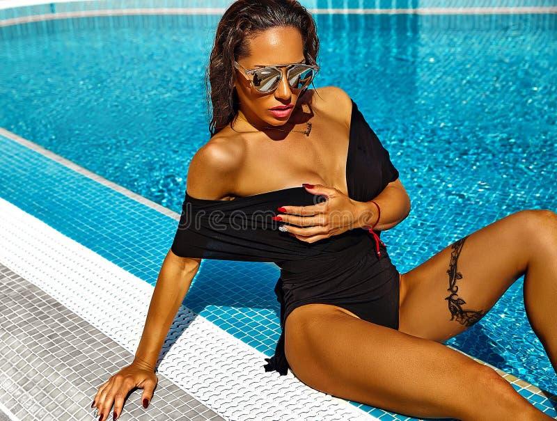 Προκλητικό καυτό πρότυπο σε swimwear στοκ φωτογραφίες με δικαίωμα ελεύθερης χρήσης