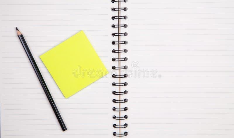 Προμήθειες έννοιας και γραφείων στο λευκό στοκ εικόνες
