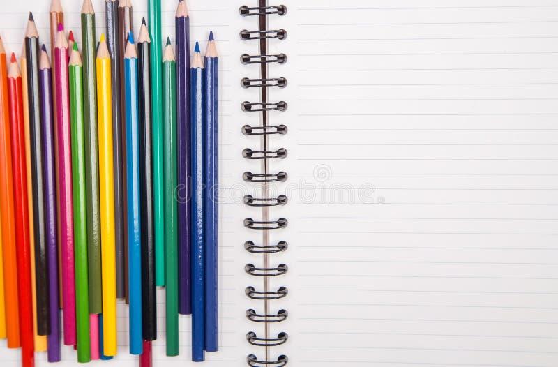 Προμήθειες έννοιας και γραφείων στο λευκό στοκ φωτογραφία με δικαίωμα ελεύθερης χρήσης