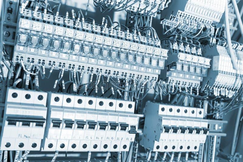 Προμήθειες που τονίζονται ηλεκτρικές στοκ φωτογραφία με δικαίωμα ελεύθερης χρήσης