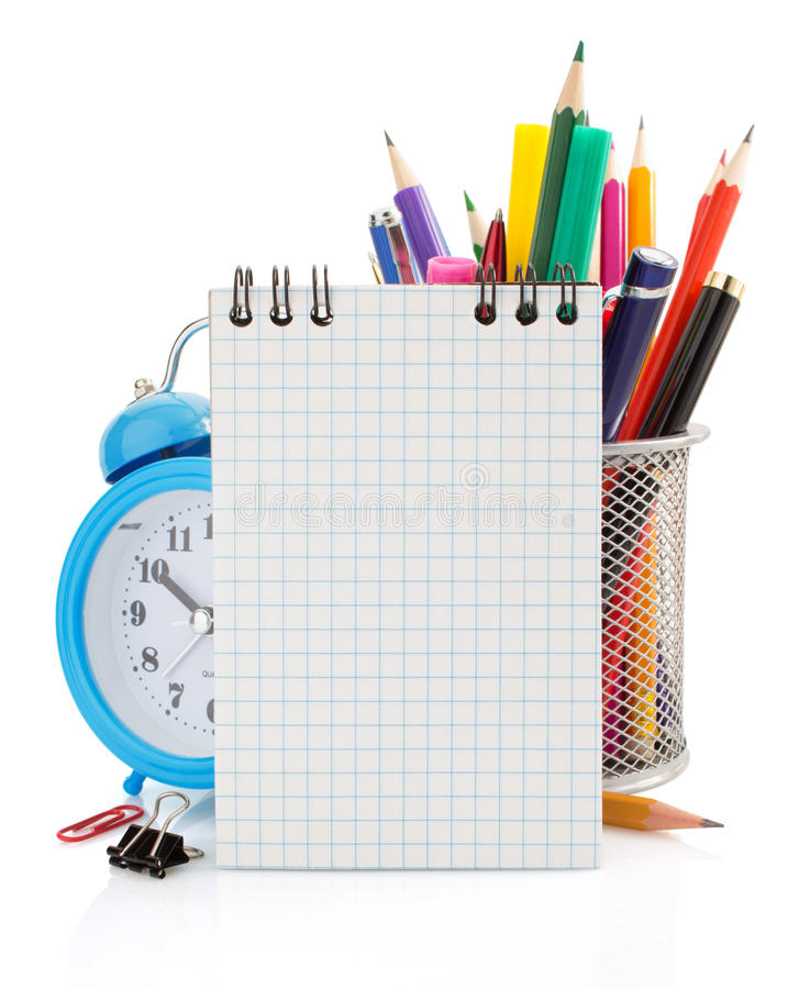 Προμήθειες σημειωματάριων και σχολείων που απομονώνονται στο λευκό στοκ φωτογραφία με δικαίωμα ελεύθερης χρήσης