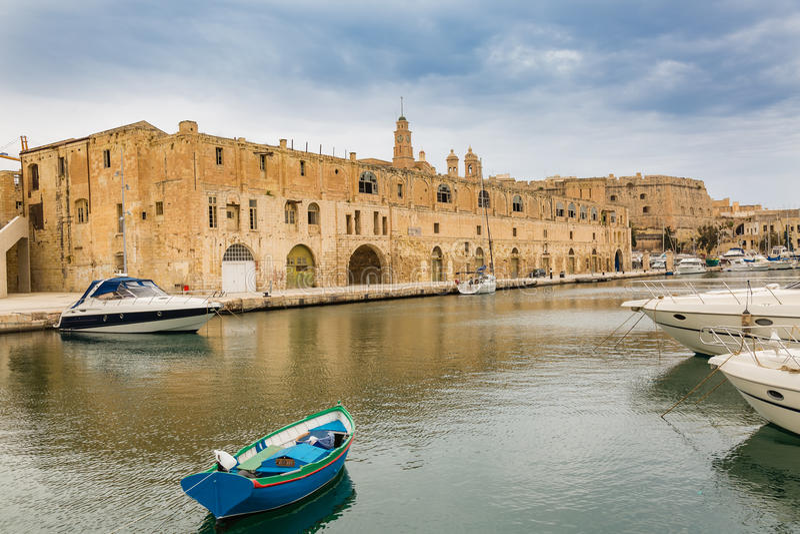 Προμαχώνας του ST Michael και μαρίνα γιοτ Vittoriosa στοκ φωτογραφία με δικαίωμα ελεύθερης χρήσης