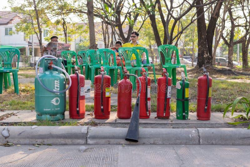 Προπαρασκευή για το τρυπάνι πυρκαγιάς στοκ φωτογραφία