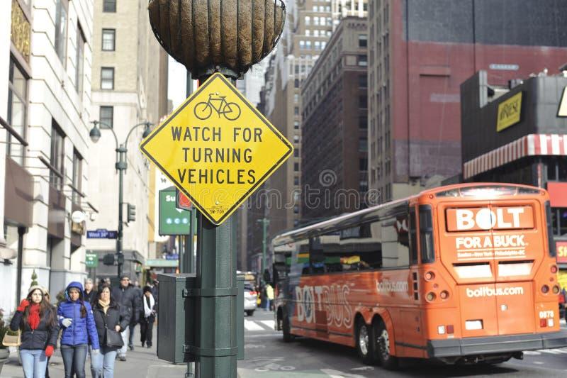 Προσέξτε το σημάδι bicyclist στοκ φωτογραφίες με δικαίωμα ελεύθερης χρήσης
