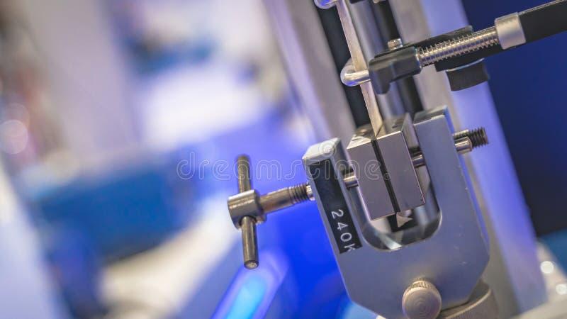 Προσαρμοσμένη και πολύπλευρη βιομηχανική γραμμή κατασκευής στοκ φωτογραφίες