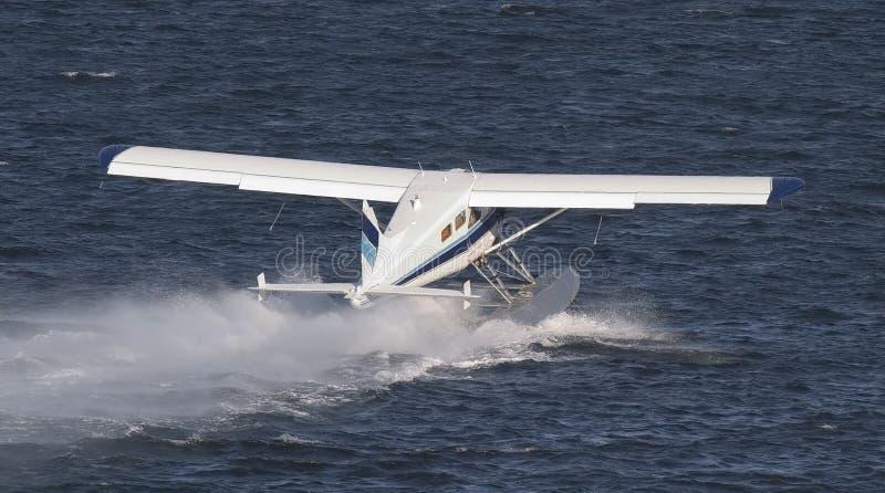 προσγειωμένος αεροπλάν&o στοκ φωτογραφία με δικαίωμα ελεύθερης χρήσης