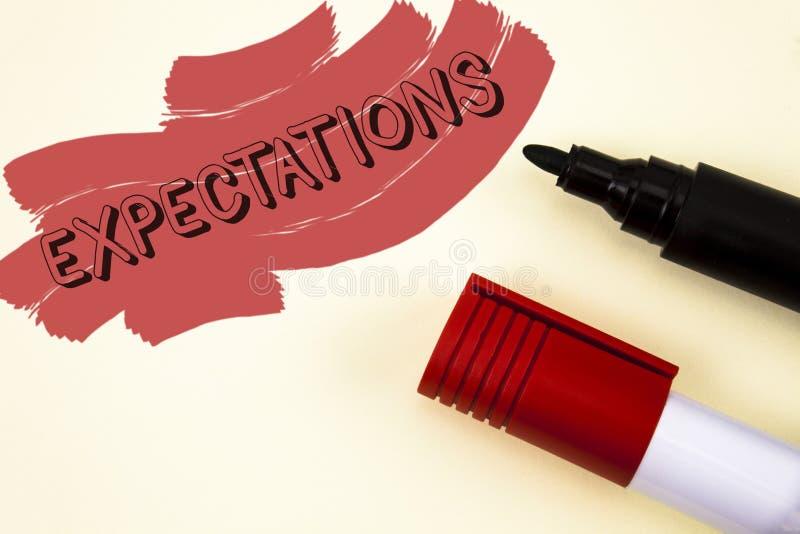 Προσδοκίες γραψίματος κειμένων γραφής Έννοια που σημαίνει τις τεράστιες πωλήσεις στις υποθέσεις αγορών μετοχών έναν ειδικό αναλυτ στοκ εικόνες
