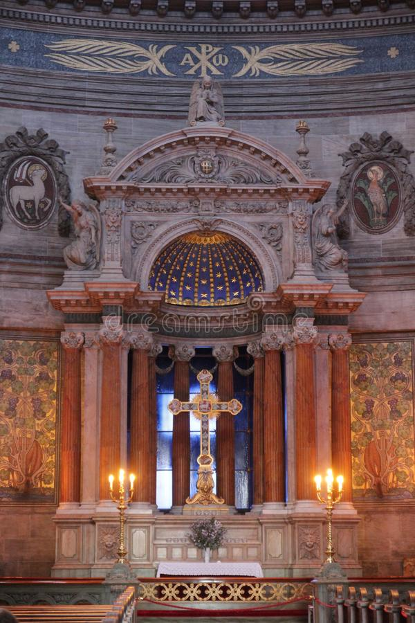 Προσεηθείτε στην εκκλησία στοκ εικόνα