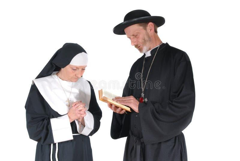 προσευμένος ιερέας καλ& στοκ εικόνες με δικαίωμα ελεύθερης χρήσης