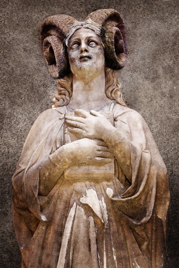 προσευχή δαιμόνων στοκ φωτογραφία με δικαίωμα ελεύθερης χρήσης