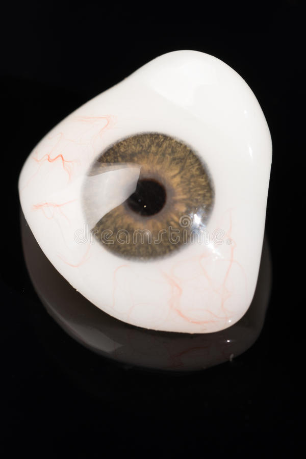 Προσθετική ή οφθαλμική πρόσθεση ματιών γυαλιού στο Μαύρο στοκ φωτογραφίες