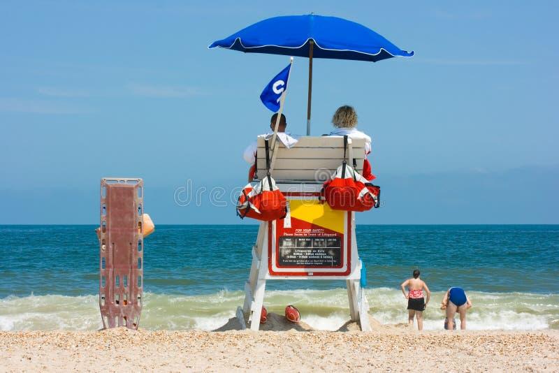 προσοχή lifeguards παραλιών στοκ φωτογραφία με δικαίωμα ελεύθερης χρήσης