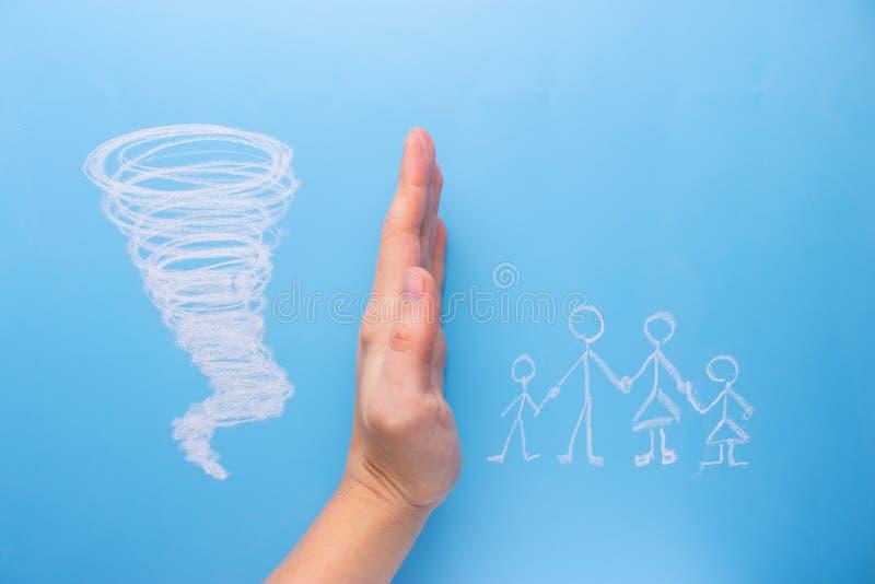 Προστασία της οικογενειακής έννοιας στοκ εικόνα με δικαίωμα ελεύθερης χρήσης