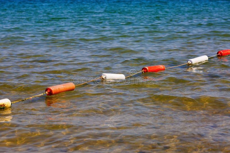 Προστατευτικοί σημαντήρες στη θάλασσα στοκ φωτογραφία με δικαίωμα ελεύθερης χρήσης