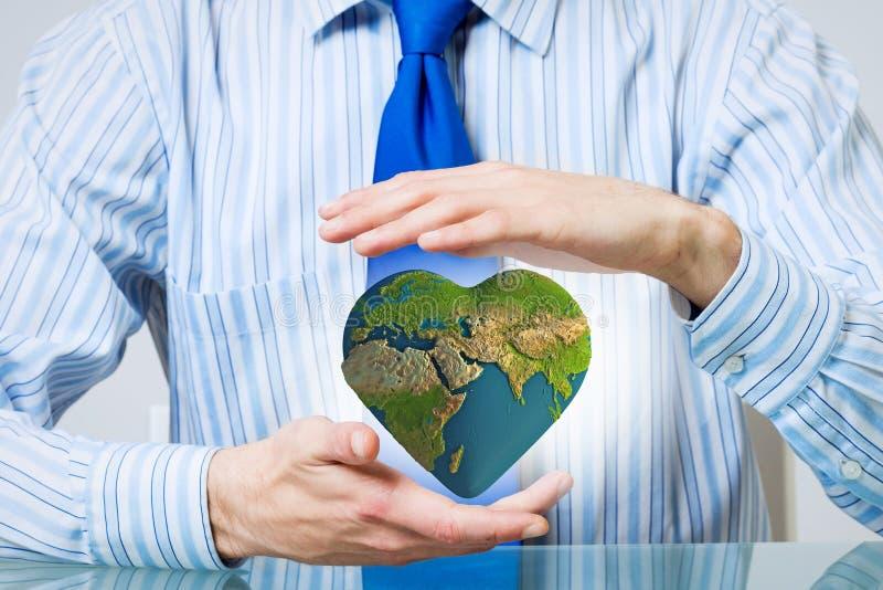 Προστατεύστε τη ζωή στο γήινο πλανήτη στοκ φωτογραφία με δικαίωμα ελεύθερης χρήσης