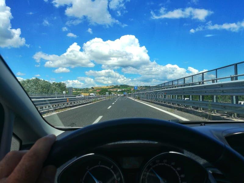 Προσωπική προοπτική ενώ οδηγώ στοκ φωτογραφία με δικαίωμα ελεύθερης χρήσης
