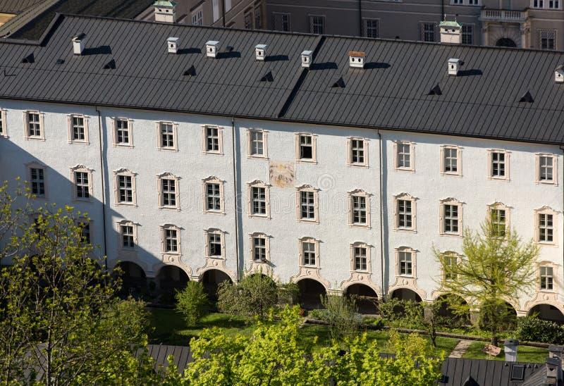 Προσόψεις των κτηρίων στο ιστορικό κέντρο του Σάλτζμπουργκ στοκ εικόνα με δικαίωμα ελεύθερης χρήσης
