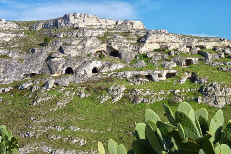 Προϊστορικές κατοικίες σπηλιών στοκ φωτογραφία με δικαίωμα ελεύθερης χρήσης