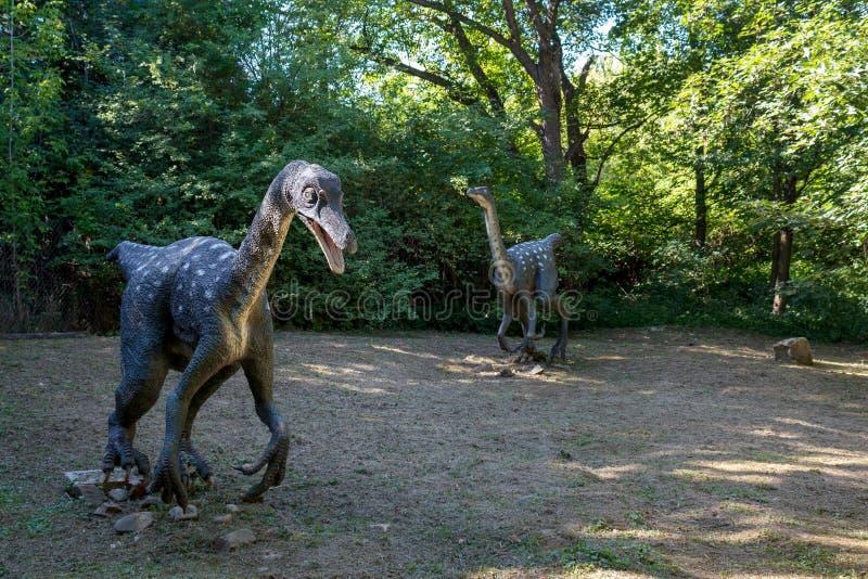 Προϊστορικός δεινόσαυρος στο περιβάλλον φύσης στοκ εικόνες με δικαίωμα ελεύθερης χρήσης