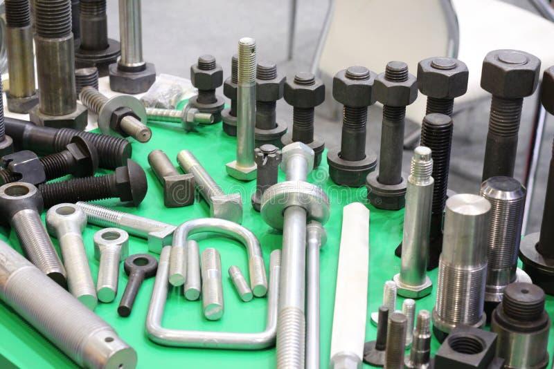 Προϊόντα μετάλλων που γίνονται σε μεταλλουργικές εγκαταστάσεις Παραγωγή του υλικού στοκ εικόνες