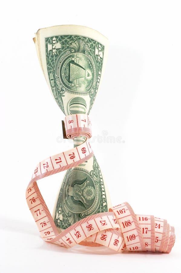 προϋπολογίζοντας τα χρήματα σφιχτά όρθια στοκ φωτογραφίες με δικαίωμα ελεύθερης χρήσης